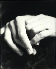 Sale 8992 - Lot 545 - Fiona Pardington (1961 - ) - Hands 47 x 37 cm (frame: 61 x 51 x 3 cm)