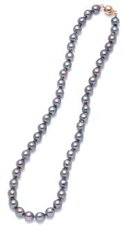 Sale 9037 - Lot 359 - AN AKOYA BLACK PEARL NECKLACE; slightly graduated 7.5-8mm drop shape to semi baroque cultured pearls of good colour and lustre to a...