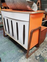 Sale 8625 - Lot 1033 - Vintage Orange Bar Unit (H: 100 W: 132 D: 51cm) -