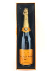 Sale 8532W - Lot 61 - 1x NV Veuve Cliquot Ponsardin Brut, Champagne - in limited edtion tin container for Madame Cliquot
