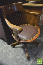 Sale 8390 - Lot 1054 - Early 20th Century oak Spindle Back Office Chair
