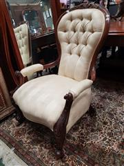 Sale 8831 - Lot 1011 - Victorian Walnut Gentlemans Chair
