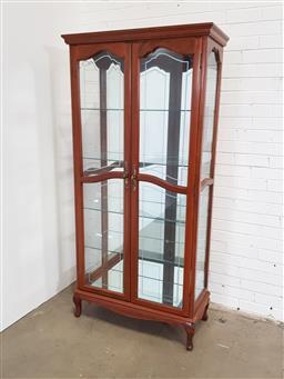 Sale 9154 - Lot 1008 - Timber 2 door display cabinet (h199 x w96 x d44cm)