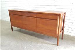 Sale 9117 - Lot 1030 - Solid teak sideboard with 3 drawers & 3 doors (h84 x w195 x d44cm)