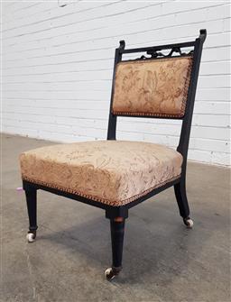 Sale 9157 - Lot 1065 - Upholstered antique chair (h72 x d45cm)