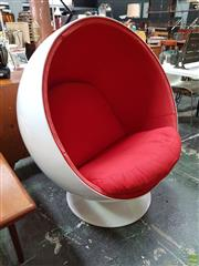 Sale 8607 - Lot 1044 - Early Reproduction Aarnio Ball Chair (H: 118cm)