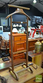 Sale 8489 - Lot 1071 - Timber Gents Valet