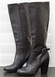 Sale 8902H - Lot 162 - A pair of black Scanlan Theodore knee high leather boots, made in Italy, size 37
