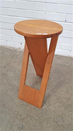 Sale 9157 - Lot 1093 - Folding timber stool or plant stand (h63 x d30cm) -