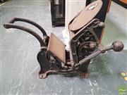 Sale 8455 - Lot 1002 - Vintage Iron Printing Press