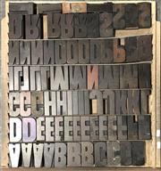 Sale 9080 - Lot 1090 - Tray of Vintage Timber Printers Blocks