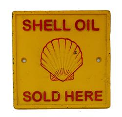 Sale 9093A - Lot 5095 - Shell Lubricating Oil Gauranteed Cast Iron Gate Sign (reproduction) h. 16.5 x l. 16.5cm -