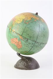 Sale 8818N - Lot 601 - Small Vintage Desk Globe H:24cm