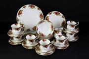 Sale 8935 - Lot 11 - A Royal Albert Old Country Roses Part Dinner Suite Complete for 6 People