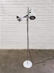 Sale 9080 - Lot 1070 - Twin shade Oslo floor lamp (h:160cm)