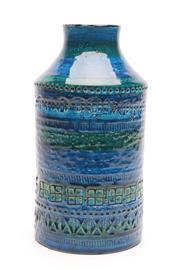 Sale 8725 - Lot 5 - Rimini Blue Italian Ceramic Vase (H:22cm)