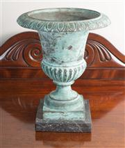 Sale 8470H - Lot 89 - A verdigris bronze campagna urn on black marble base, good quality, H 27cm