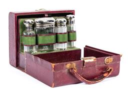 Sale 9190E - Lot 50 - A vintage travelling mens grooming kit