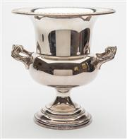 Sale 8590A - Lot 33 - A silver plated campagna form champagne bucket, H 23cm