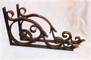 Sale 8362A - Lot 40 - A large pair of heavy French wrought iron brackets, approx. 12 mm thick steel, size 74 x 44 x 40 cm