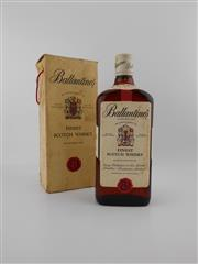 Sale 8498 - Lot 2016 - 1x Ballantines Scotch Whisky - old bottling, in box