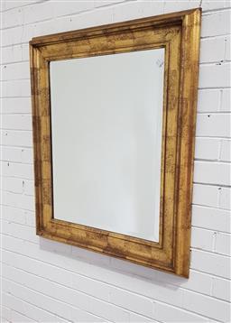 Sale 9137 - Lot 1011 - Gilt framed mirror (103x84cm)