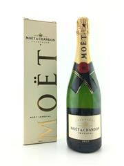 Sale 8571 - Lot 780 - 1x NV Moet et Chandon Imperial Brut, Champagne - in box