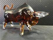 Sale 9039 - Lot 1045 - Art Glass Bull (h:23 x w:39cm)