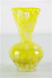 Sale 8968 - Lot 69 - Art Glass Vase H: 16cm