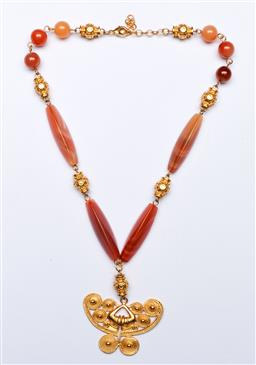 Sale 9144 - Lot 82 - A ladies agate necklace