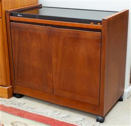 Sale 9164H - Lot 93 - A vintage hostess trolley, Height 68cm x Width 76cm x Depth 40cm