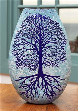 Sale 9191H - Lot 66 - Tree of Life hand blown and engraved flat vase by Sean ODonoghue, Noosa Master Glassblower, trained at Waterford Crystal, H 20 cm, ...