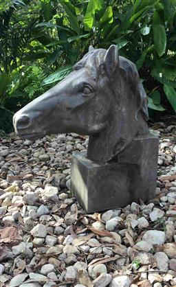 Sale 9175G - Lot 58 - Large Carved Genuine Stone Horse Head Sculpture .General wear, slight Chipping .Size: 50cm H x 45cm Front to Back