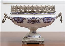 Sale 9140H - Lot 33 - An A.C.E English ceramic twin handled raised comport, Width 22cm