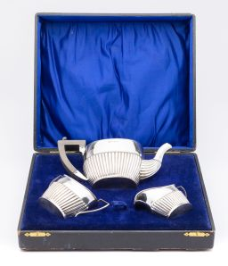 Sale 9150J - Lot 28 - An English hallmarked sterling silver 3 piece tea set, Walker & Hall, Birmingham 1913, each piece with half fluted decoration, in or...