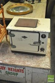 Sale 8440 - Lot 1073 - Vintage Etc Elec Stove