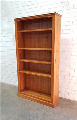 Sale 9108 - Lot 1011 - Timber bookcase (h200 x 110 x 33cm)