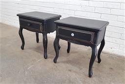 Sale 9129 - Lot 1052 - Pair of painted single drawer bedsides (h61 x w56 x d43cm)