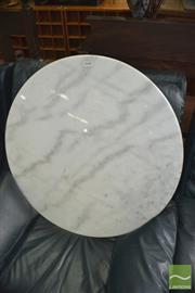 Sale 8390 - Lot 1272 - White Marble Table Top (80cm diameter)