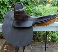 Sale 8934H - Lot 2 - A vintage leather side saddle by Walther, Sydney.