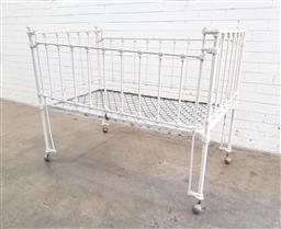 Sale 9108 - Lot 1091A - Antique childs metal cot (h112 x w140 x d80cm)