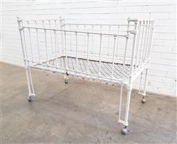 Sale 9108 - Lot 1091A - Antique childs metal cot (h112 x w140 x d80cm)