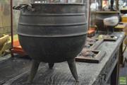 Sale 8361 - Lot 1091 - Vintage Metal Glue pots