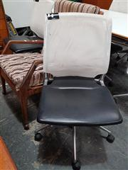 Sale 8822 - Lot 1076 - Pair of Mesh Back Desk Chairs by Vitra