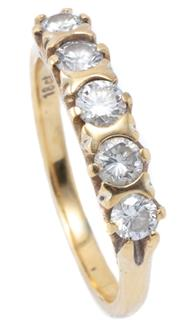 Sale 8982 - Lot 331 - AN 18CT GOLD FIVE DIAMOND RING; set across the top with 5 round brilliant cut diamonds totalling approx. 0.52ct SI-P1, size L1/2, to...