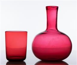 Sale 9255H - Lot 81 - A cranberry glass decanter, Height 17cm, together with a tumbler.