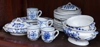 Sale 8934H - Lot 16 - A small group of miniature blue and white wares in the maiden hair fern decoration and the onion pattern