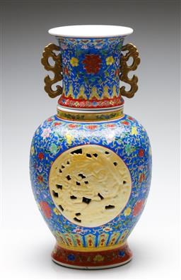 Sale 9246 - Lot 19 - A Chinese polychrome vase with pierced cartouche (H:40cm)