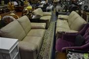 Sale 8520 - Lot 1096 - Leather 3 Piece Lounge Suite