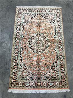 Sale 9157 - Lot 1074 - Super fine Kashmiri silk (160 x 95cm)